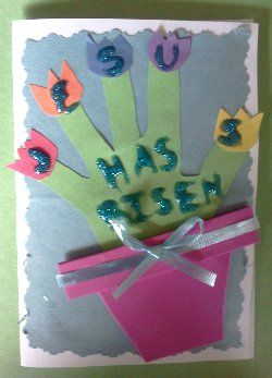 Easter craft for kids ... Church, Sunday School?!? ...I feel like this could look better than this picture, maybe use letter stickers instead
