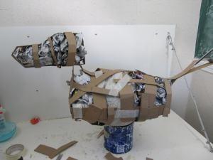 Como hacer una piñata de animales con papel Mache