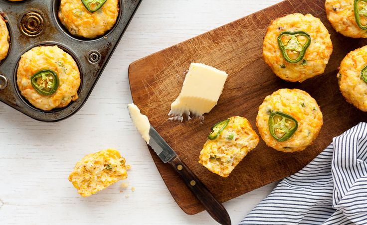 Jalapeno and cheddar cornbread muffins | Natrel
