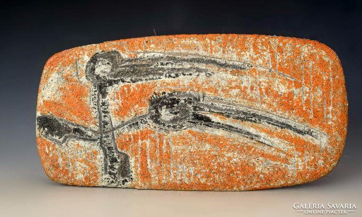 Gorka Lívia samottos falitál madár figurákkal 23x45cm, 125ezerért kelt el.