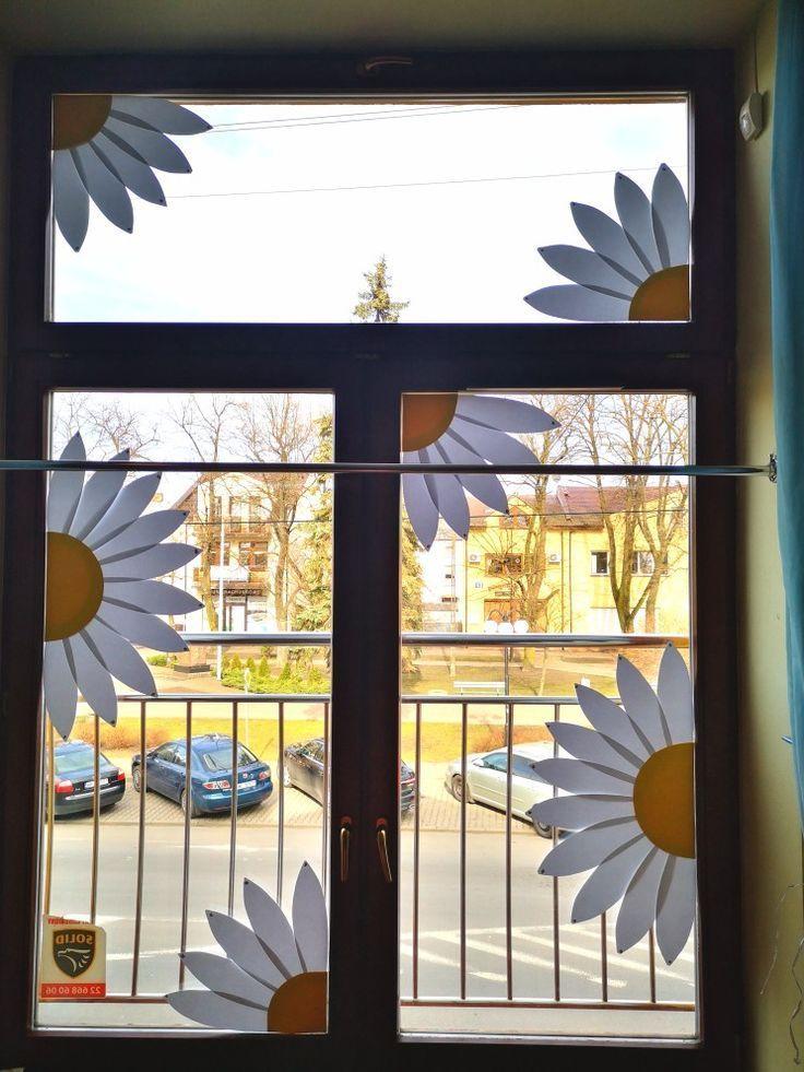 dekoracje wiosenne okna kwiaty przedszkole
