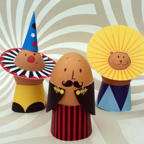 DIY Circus Egg Decorations | Free printable images for decorating Easter eggs. Vintage whimsical circus clown, lion lion ring master if you add a top hat. Print cut out template for this paper craft.