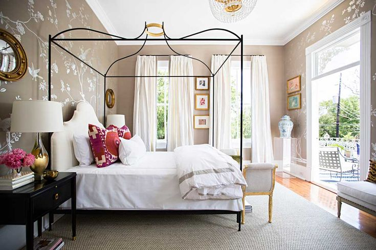 So, so, so serene bedroom by Paloma Contreras for the @traditionalhome #SouthernStyleNow Showhouse. Photo by Brittany Ambridge