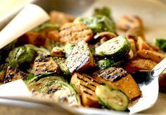 Gegrilde sesamspruitjes met zoete aardappel | Women's Health