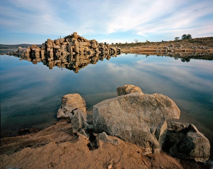 Lake Jindabyne, curiosity rocks