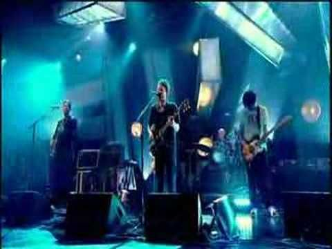 Radiohead - Weird Fishes/Arpeggi (live at Jools Holland) - YouTube