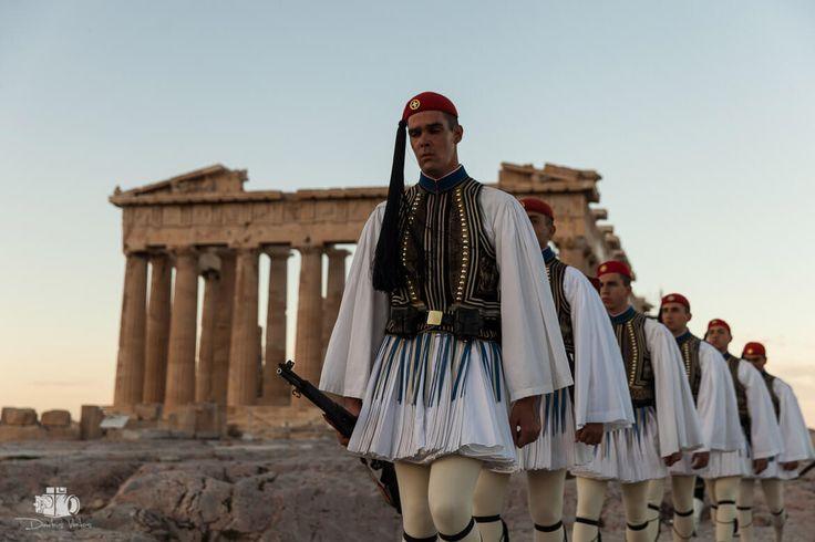 Evzones_Greek_Presidential_Guard _Dimitris_vlaikos