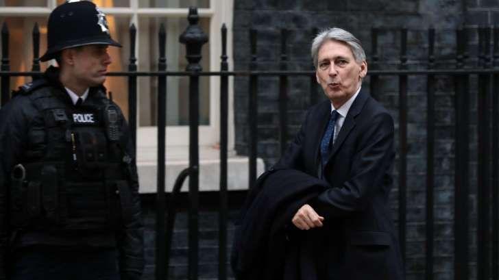 EU Risks Financial Crisis If It Blocks Brexit Deal, U.K. Warns    https://www.msn.com/en-gb/money/news/eu-risks-financial-crisis-if-it-blocks-brexit-deal-uk-warns/ar-BBIbY6Q