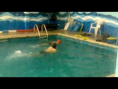 Toño, entrenando para las olimpiadas especiales