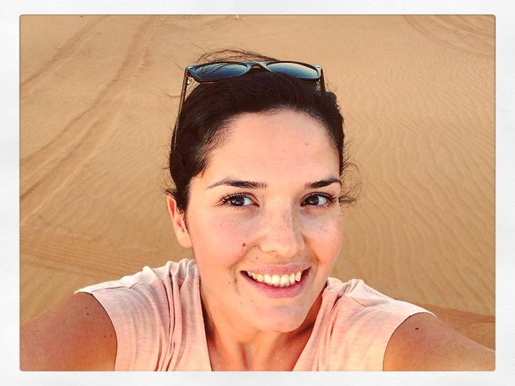 I  the desert  set !  Best light & natural filter ever! #sunset #dubai #uae #desert #sun #sand #november #nofilter #portrait #selfie #deserttrip #desertsafari #dunes #dunebashing #fun