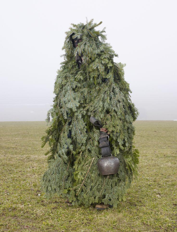 """""""Sauvage"""", Le Noirmont (Suisse) (« Wilder Mann ou la figure du sauvage » de Charles Fréger, éd. Thames & Hudson, avril 2012)"""