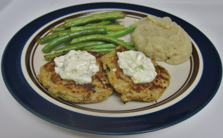 Salmon Patties with Creamy Mashed Cauliflower and Green Beans
