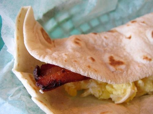 Taco House San Antonio - extremely inexpensive breakfast tacos (Road food)