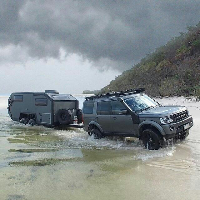 Lr4  Landrover discovery with badass trailer and accessories