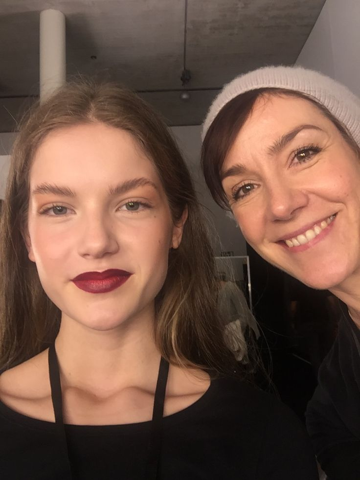 Model und Make up Artist auf der Fashionweek Berlin.