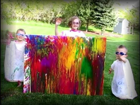 DIY WATER BALLOON PAINTING TUTORIAL - by Mr. Otter Art Studio. This looks like a fun summer craft for kids