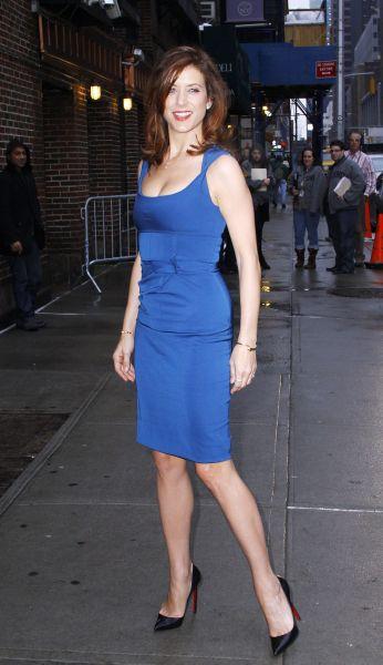 Kate Walsh Sexy Legs In High Heels