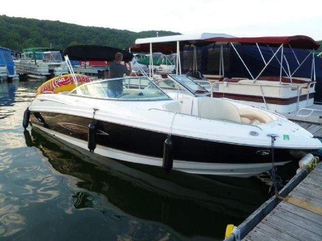 Boat: 1996 Celebrity Boats 230 Status Bowrider