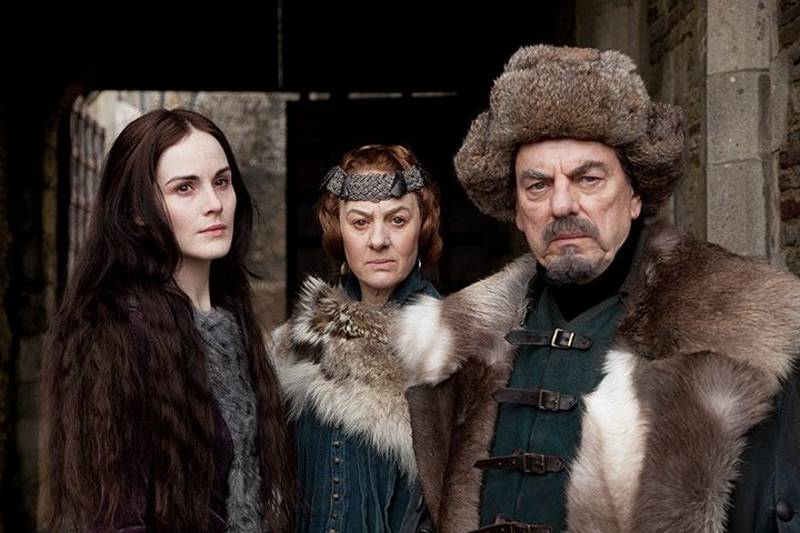 Alun Armstrong and Niamh Cusack as the Earl of Northumberland and Lady Northumberland, alongside Michelle Dockery