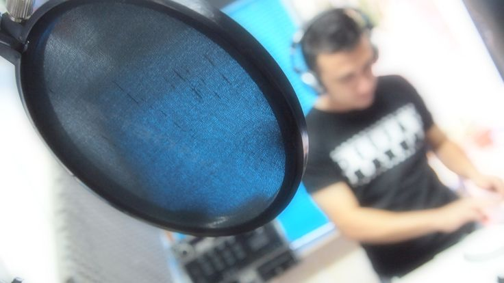 8 Años de LA BASICA www.radiotuciudad.com