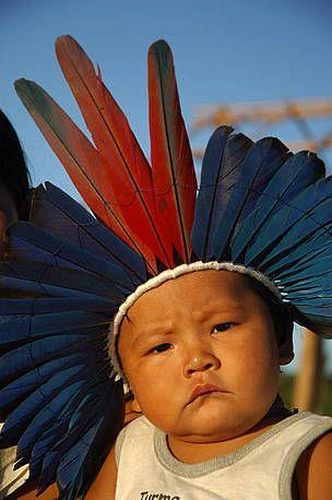 WWF - Expedição Juruena-Apuí comemorar a vitória de futebol do Brasil com os índios Apiaká