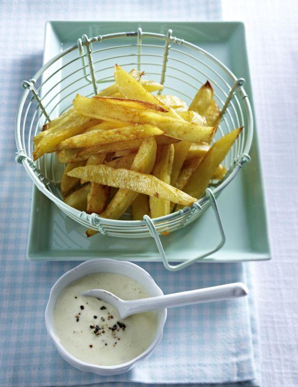 Unser beliebtes Rezept für Pommes mit Blitz-Mayo und mehr als 55.000 weitere kostenlose Rezepte auf LECKER.de.