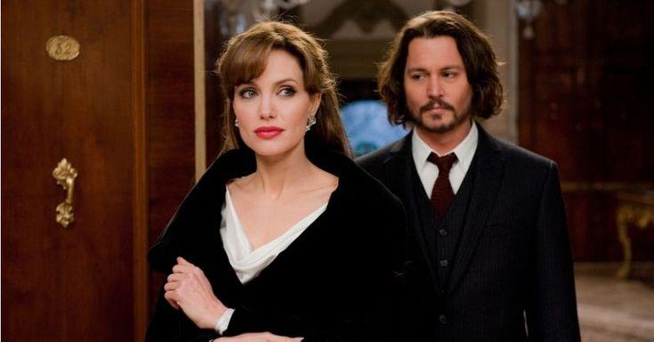 Angelina Jolie e Johnny Depp Angelina Jolie tinha exigências demais e Johnny Depp atrasava para as filmagens de O Turista - isso dependendo de para qual dos dois você perguntar.