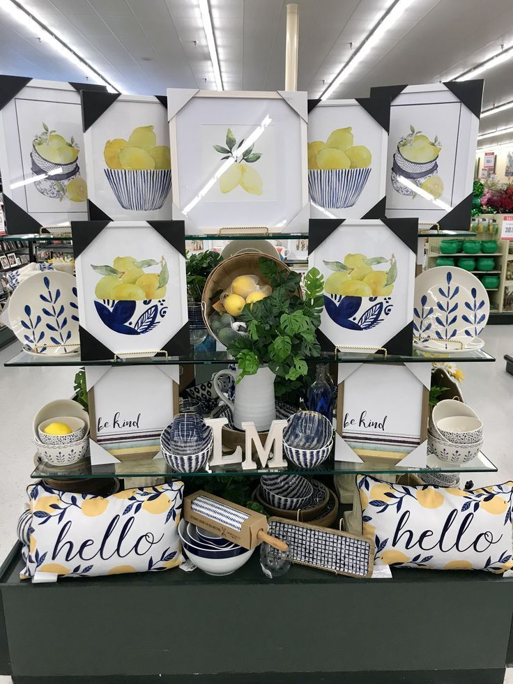 Hobby Lobby Merchandising Table Displays Work In 2020 Hobby