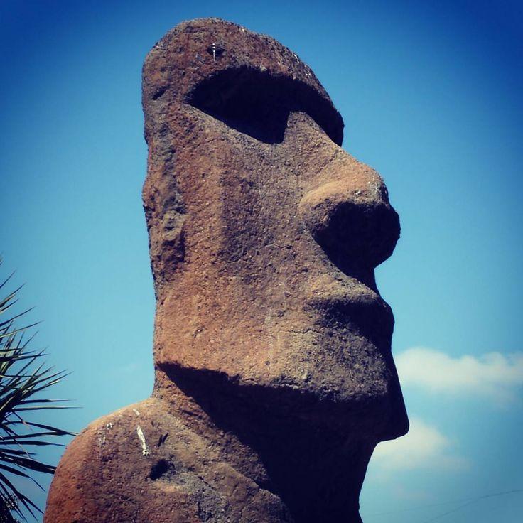 Moai, Viňa del Mar  #hasajacezajace  #travel #trip #travelmore #instatravel #adventure #moai #isledepascua  #easterisland #heritage #statue #stone #neverstopexploring  #outdoorliving #sky #skyporn