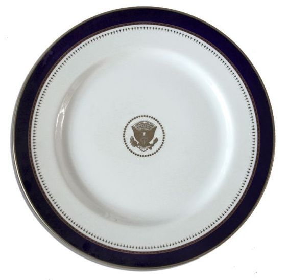 40 Dinner plate from the Ronald Reagan White House. White china features a gilt Presidential seal at center and navy blue burgundy and gilt tr.  sc 1 st  Pinterest & 64 best