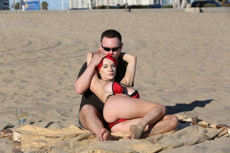 Кортни Стодден с мужем на отдыхе