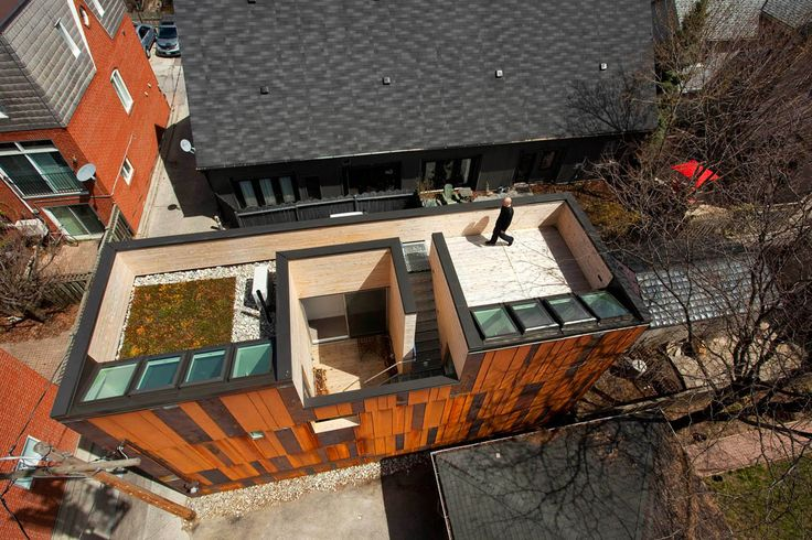 The conversion of an industrial shed to a single family home. | 40_R Laneway House, Toronto | Superkül inc
