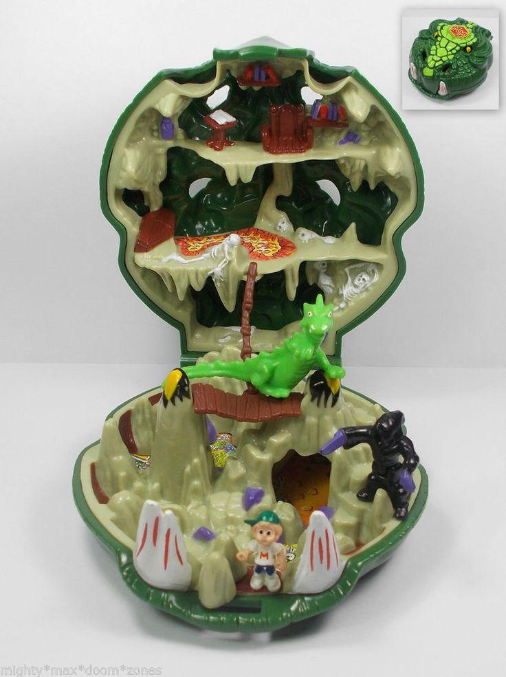 mighty max slays the doom dragon  micro figure play set  boys polly pocket   12