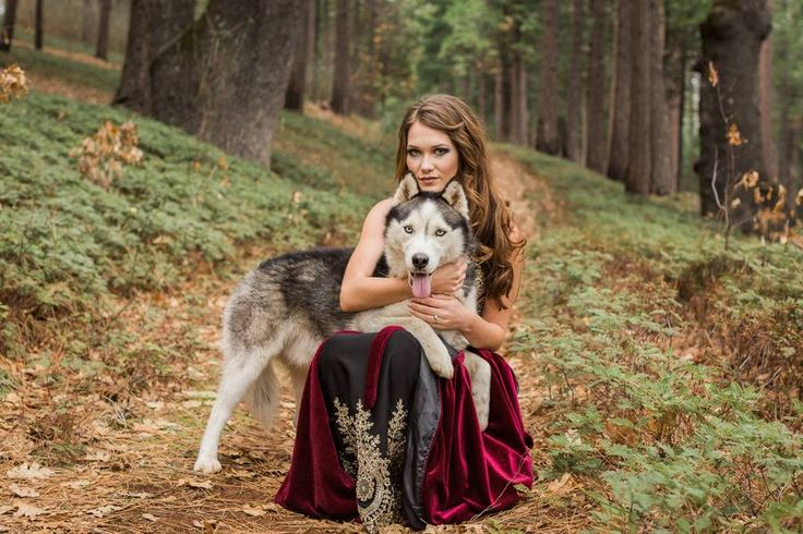 "Today's inspiration shoot came from Leah's (the photographer)  of enchanted  stories; the classic ""girl meets boy, girl falls in , only to find out the boy is a mythical wolf that must turn back at the end of their perfect date in the woods"" story. The colors, arrangements, characters, and scenario all told the story of their Enchanted Engagement.  Let's get lost in  at the enchanted woods as Leah presents her twist in this ly photo shoot!"