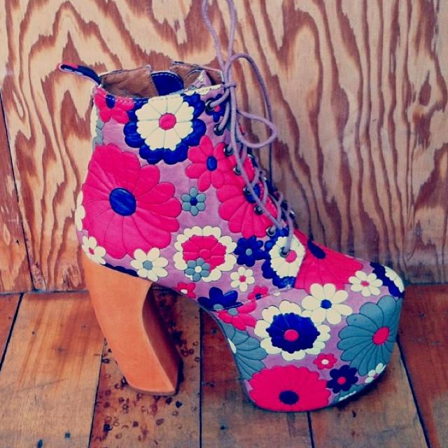 Floral Shoes OMG... I SOOOOOO LUVVVVVVVV!!!!!!!!!!!!!!!