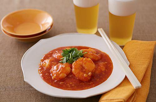 煮物や洋食もいいけれど、実は男性からの評価が高いのは中華!白ごはんも進み、ビールにもよく合うレシピを定番から目新しいものまでまとめてご紹介します。