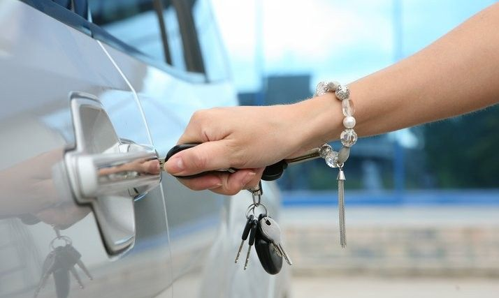 There are situations arise when we mistakenly lock the car from inside and unable to unlock it anyhow, then we need the #professional assistance of the #locksmith #service provider.