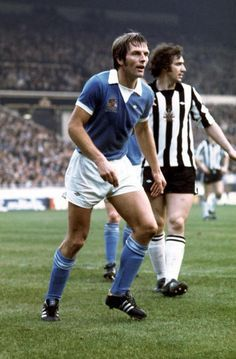 28th February 1976. Winsford born Alan Oakes in the colours of Manchester City standing next to Newcastle United forward Micky Burns in the League Cup Final.