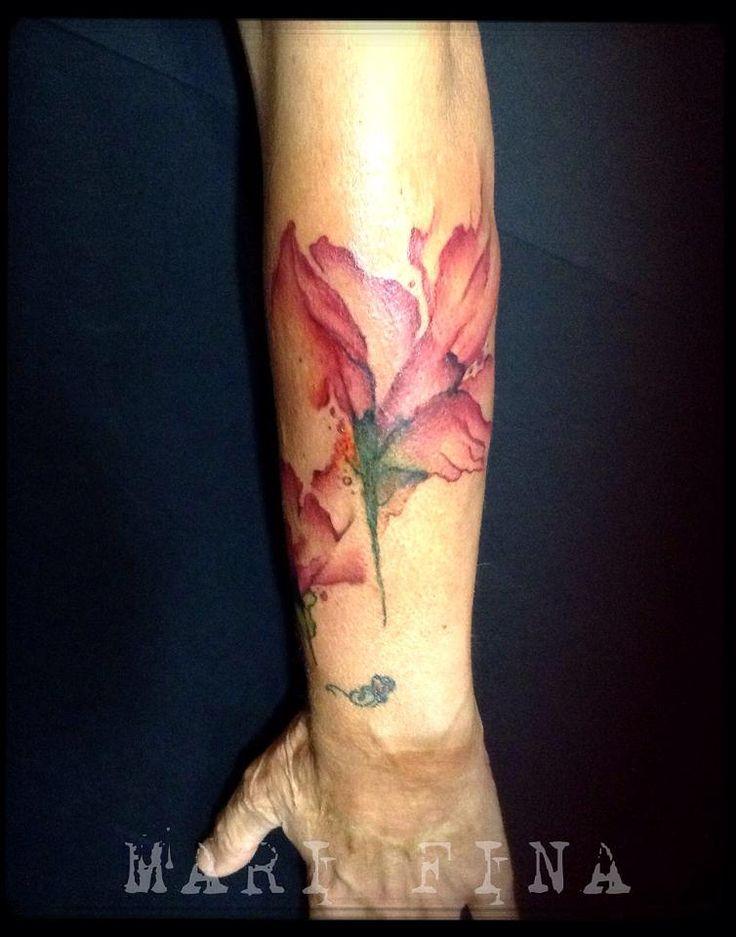 Watercolor tattoo Quando la magia dell'acquerello si trasforma in un dipinto su pelle. Cover cicatrice. Tattoo Artist: Mari Fina  Tatuaggi a colori http://www.subliminaltattoo.it/prodotto.aspx?pid=09-TATTOO&cid=18  #subliminaltattoofamily   #watercolortattoo   #marifinatattooartist   #marifina   #cover   #colortattoo   #flowerwatercolor   #tattooartist   #tatuaggio