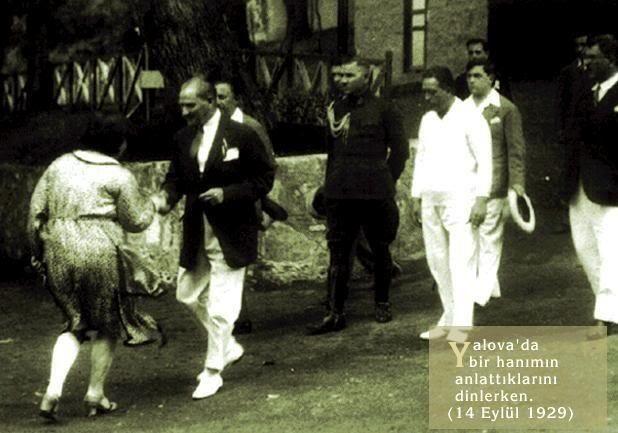 VATANDAŞ YANINA GİTTİĞİNDE KORUMALARI PATAKLAMIYORDU. Atatürk Onurumuzdur BirSevdadırATATÜRK YavşAKlarNeBilsin pic.twitter.com/TcpWGH6fTc