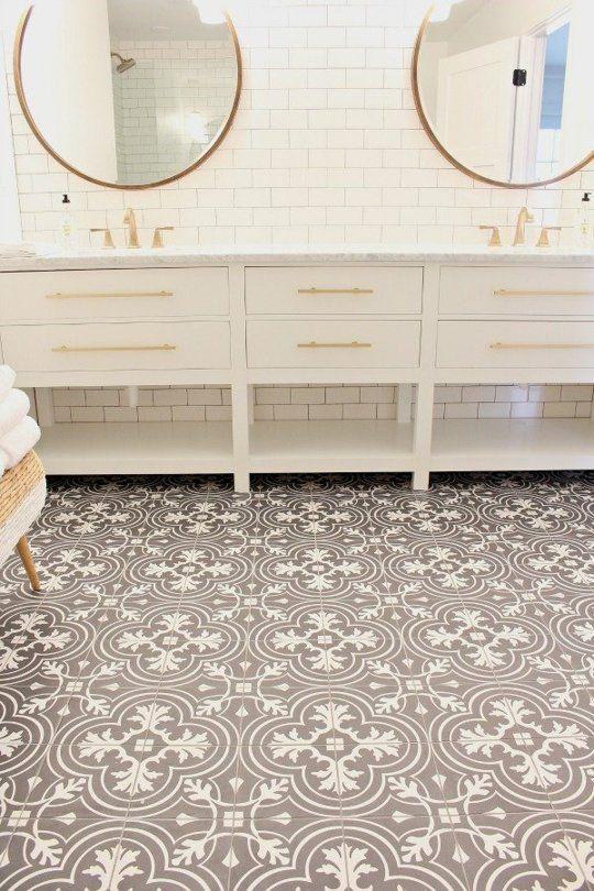 Shauna's Beach House Bathroom Makeover — Makeover