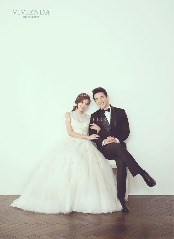 simple wedding dress, simple bridal gown, Korean pre wedding photography, pre wedding photography, premium pre wedding photo shoot studio and photographer, 2015 wedding trend, simple and elegant bride in Korean pre wedding photo shoot package, Hello Muse, hellomusewedding , obramaestra studio, vivienda studio in Korea,