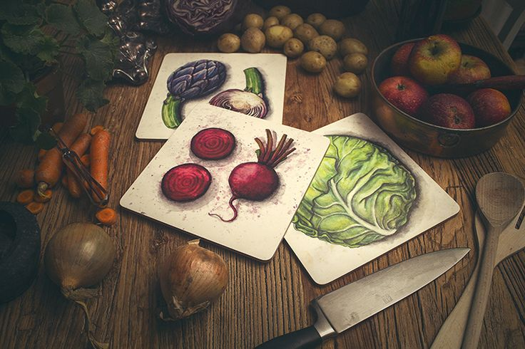 Trivets/cutting boards from the Roots collection by SLOYDLAB.