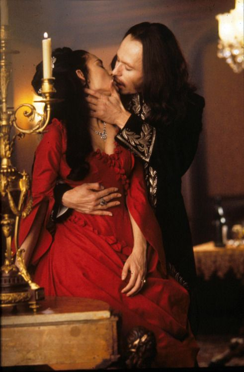 Winona Ryder and Gary Oldman in Dracula (1992).
