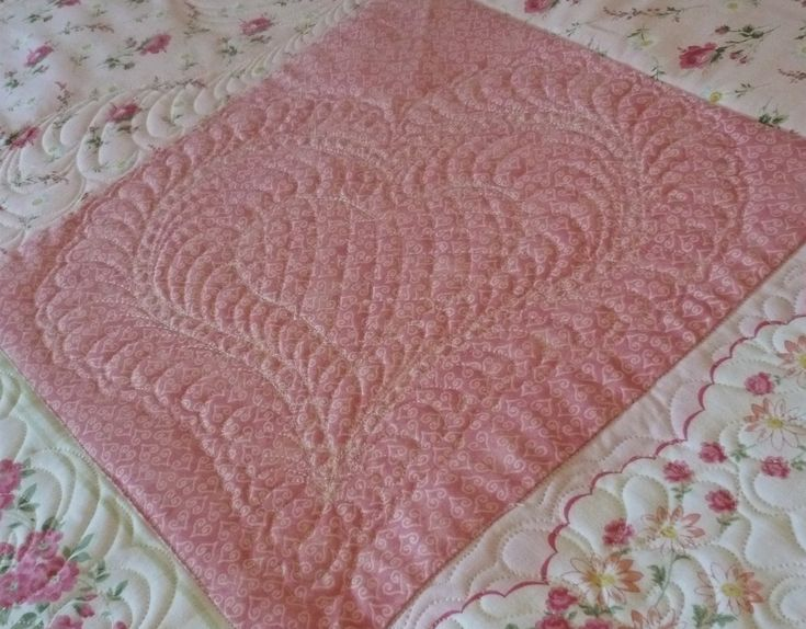 pink feather quilt wall - photo #9