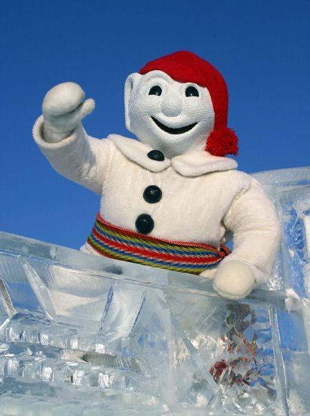 Bonhomme Carnaval dans son chariot de glace. Québec, la ville, au Québec, dans le Canada.