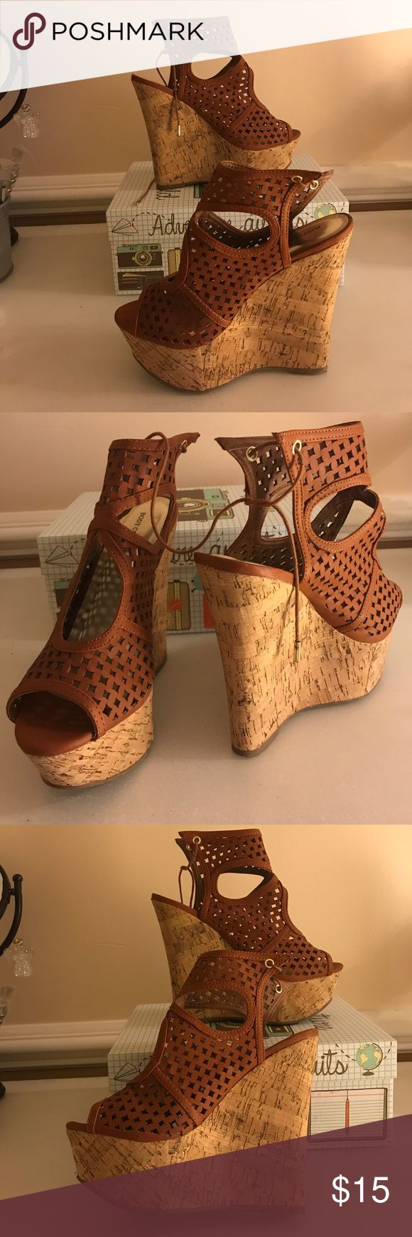 Body central brown sandals heels Us size 8 Hey friends 🙌🏻 I am trading/selling my almost new sandal-heels. They are super comfortable and even if I'm not really good at walking in heels, these support you perfectly! US size 8 Body Central Shoes Heels