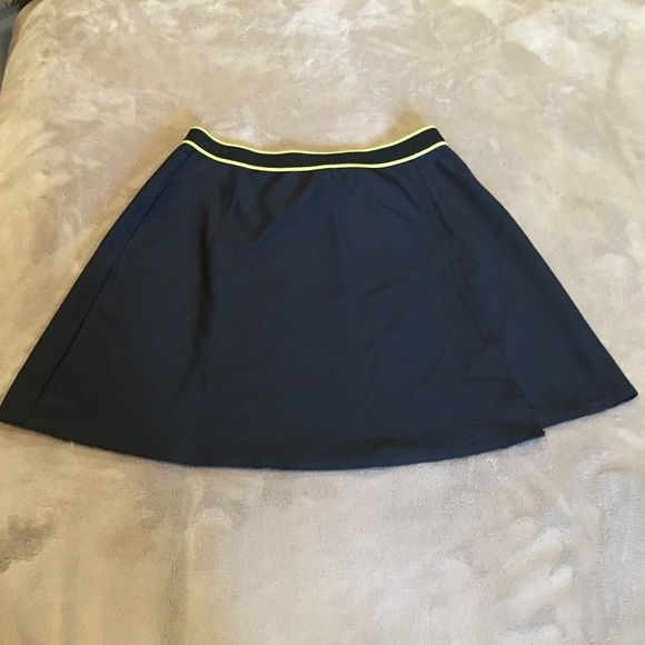 """""""CUTE"""" Anne Cole Swimsuit cover-up skirt, Sz Small A perfect addition to any swimwear collection! Anne Cole Swimwear cover-up skirt! Small, black with yellow piping! $20.00 Anne Cole Swim Coverups"""