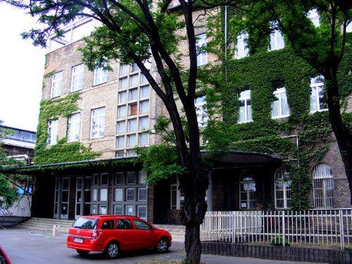 3.  Csepeli kórház a Déli utcáról nézve