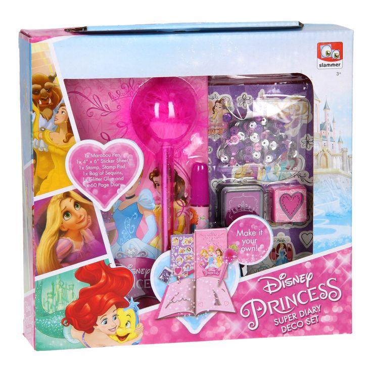 Versier je Disney Prinses dagboek met deze leuke set! De set bevat een stempel, stempelkussen, gekleurde pailletten, stickervel en een vrolijke pen. Schrijf al je verhalen en avonturen op en maak het dagboek helemaal eigen! Afmeting: verpakking 23 x 5,5 x 22 cm - Disney Prinses Versier je eigen Dagboek